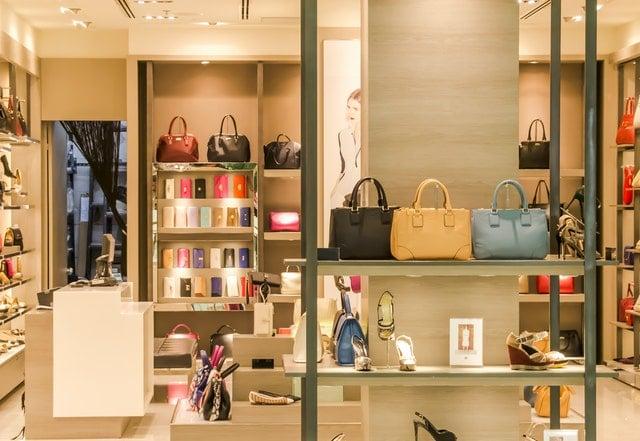 Maak jouw fashion winkel winstgevend door flyers te bedrukken